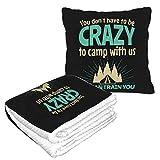 XCNGG Camping, Vous n'avez Pas Besoin d'être Fou pour Camper avec Us2 Flannel Collection Soft Cosy, Parfait pour Le lit ou Le canapé, couvertures d'oreillers