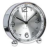 chengsan Horloge de table de 10,2 cm ultra silencieuse en métal, style rétro classique, réveil à quartz, pour bureau, placard, chevet, voyage (argent)