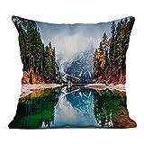 Première Neige sur Le lac Braies Paysage d'automne coloré dans Les Alpes Italiennes Naturpark Fanes Sennes Prags Dolomites 18 x 18 Pouces