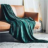 DEZENE Couverture Polaire avec Pompon,Couverture Confortable en Cachemire Douce sur Le Canapé-lit, Couverture en Duvet Épais, Couverture en Peluche en Flanelle,130 x 150cm,Vert Foncé