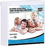 Utopia Bedding Premium 200 GSM 100% protège-Matelas imperméable, Housse de Matelas en Coton éponge, Respirant, Style ajusté Tout Autour élastique (90 x 200 cm)