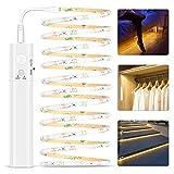 Bande LED avec détecteur de mouvement, bande LED de 3 m à piles avec télécommande infrarouge, blanc chaud 3500 K pour éclairage de chambre à coucher, armoire et escaliers