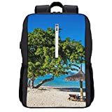 LUDOAN Sac à dos de voyage,Plage de sable blanc avec chaises longues et parasol,sac d'ordinateur mince et durable antivol d'affaires avec port de charge USB