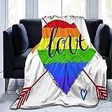 HUAYEXI Couverture de Jet en Molleton Doux,Décorations de fierté Coeur Arc en Ciel dessiné à la Main avec des flèches et des griffonnages Mot d'amour homosexualité,lit canapé Adultes 204x153cm